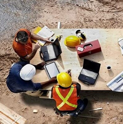 What should a construction site safety checklist include?