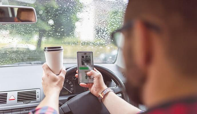 What is distracted driving? | Teletrac Navman